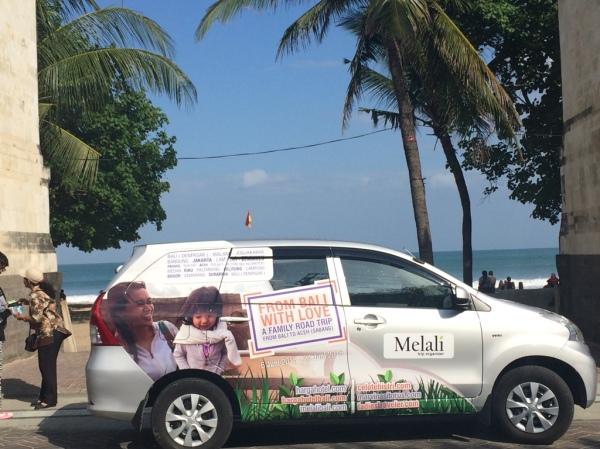 1. Foto mobil di Pantai Kuta